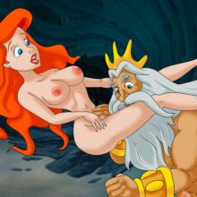 Ariel Mermaid gets some hardcore sex from King Triton xl-toons.win